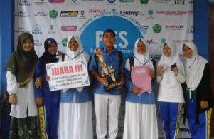 Siswa-siswi SMA Plus Darussalam meraih Juara PES 2016 Tk. Priangan Timur